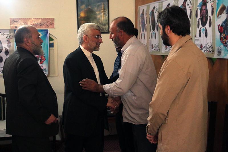 دیدار دکتر جلیلی با خانواده شهدای مدافع حرم در شیراز